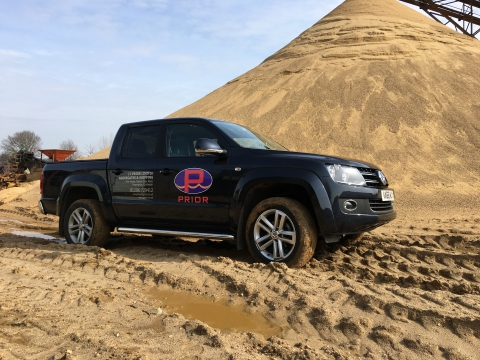 Link to detailed description of vinyl graphics applied to aN Amarok pick up